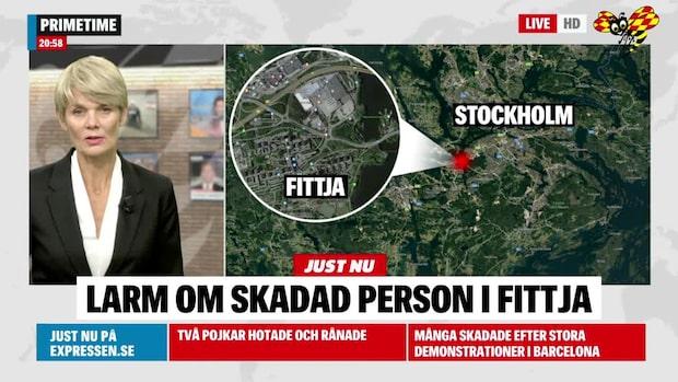 Stickskadad man hittat utomhus i södra Stockholm