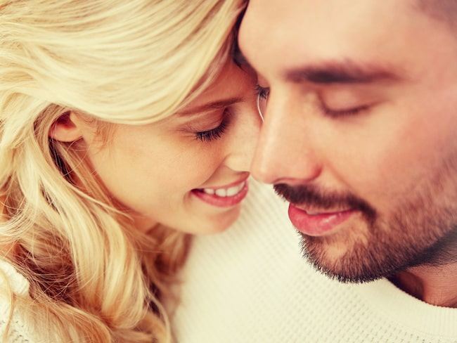 Stressa ner genom att lukta på din partners tröja.