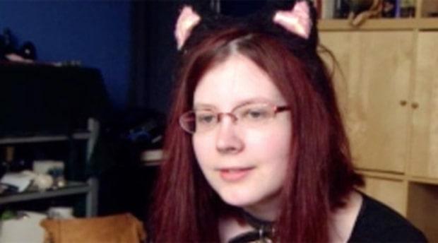 Pao, 25, tror att hon är en riktig katt