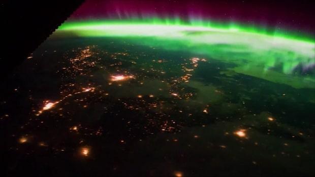 Se norrskenet från rymden