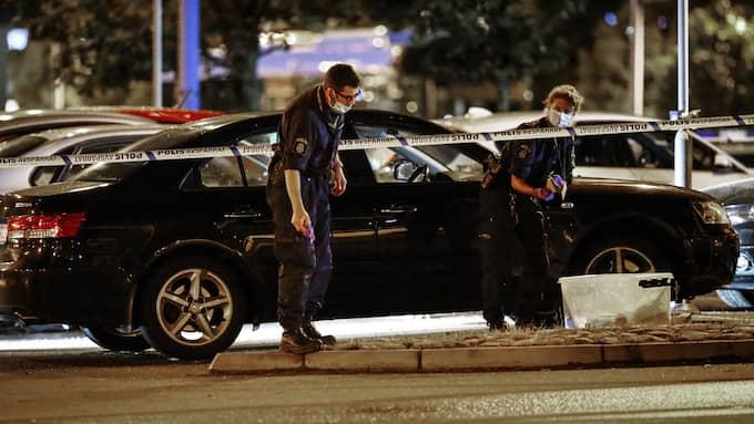 I september i fjol sköts en man med gängkopplingar ihjäl i en bil på Frölunda torg. Foto: THOMAS JOHANSSON/TT / TT NYHETSBYRÅN
