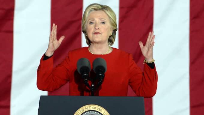 """""""Hillary Clinton är logos-stark, alltså att hon bygger mycket av sin retorik på fakta och sakpolitik. Men hon visar väldigt lite patos, alltså känsla"""", säger Elinor Falkman. Foto: Storms Media Group / ©BULLS BP0001YCOF"""