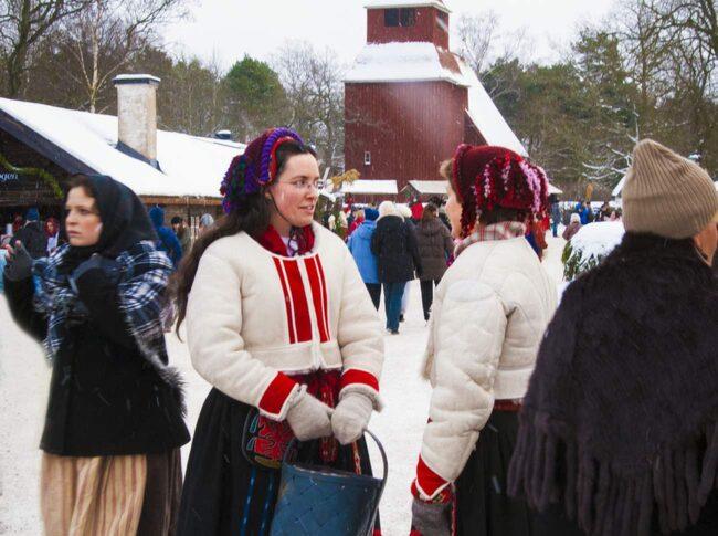 På Skansen ordnas varje år julmarknad – varje söndag från första advent fram till jul.