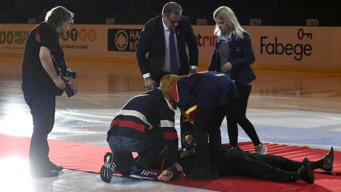 Nichlas Falk kollapsade under hyllningsceremonin. Foto: OLLE WANDE / BILDBYRÅN