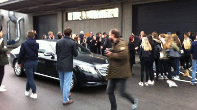 Kanye West lämnar Ikea i Älmhult Foto: Hampus Lundberg Andersson