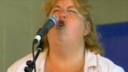 Hon är bäst på att skrika som en gris