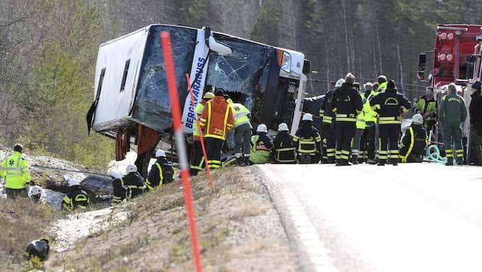 Olycksbussen underkändes för fel på höger hjullager vid två tidigare tillfällen. Foto: NISSE SCHMIDT/TT