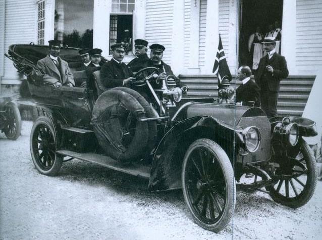 Den ikoniska bilden från 1907 med kung Chulalongkorn och två prinsar på besök i Norge.