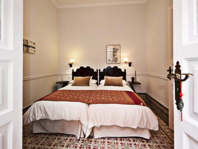 Casa de Vegueta. I hjärtat av Vegueta - den historiska stadskärnan i Las Palmas - har ett klassiskt kanariskt hus från 1913 förvandlats till ett första klassens bed & breakfast.