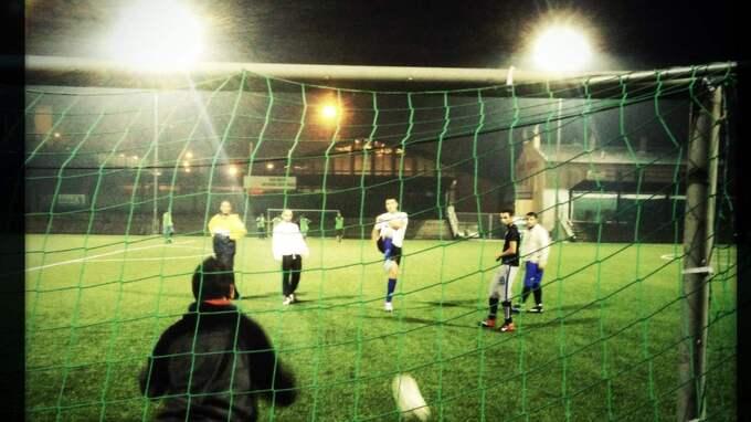 WALK OVER. Fotbollslaget FC Roma från den tjeckiska gränsstaden Decin bojkottas av de andra lagen i ligan. Foto: Hynek Pallas