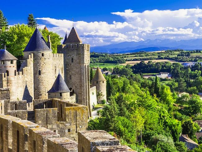 Borgen La Cité de Carcassonne; ett litet minisamhälle med hotell, restauranger och affärer.