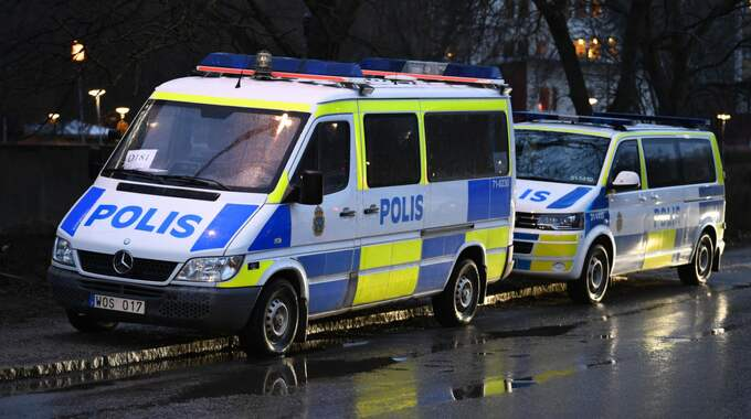 Polis i Bromma. Foto: / ALEX LJUNGDAHL