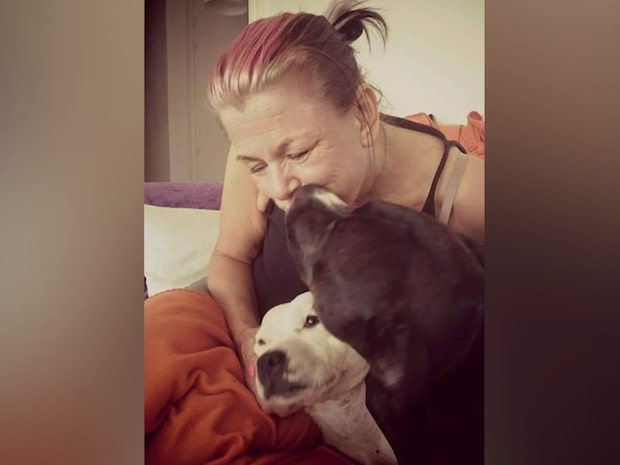 Systrarnas ilska mot vården efter Jennys död