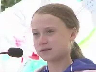 Här blir Greta Thunberg avbruten under sitt tal