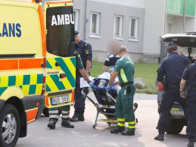 Enligt ett vittne sköts mannen i magen med tre skott. Foto: Lennart Rehnman
