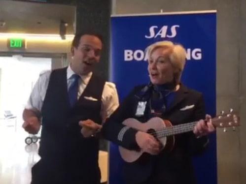 När han skulle flyga till Stockholm fick han en överraskning. Se filmen under artikeln.