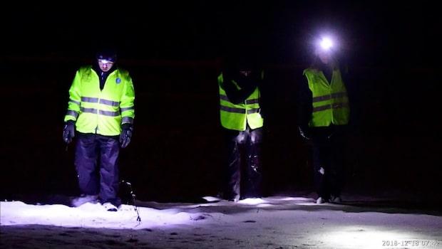 Över hundra personer letar efter försvunna Nathalie