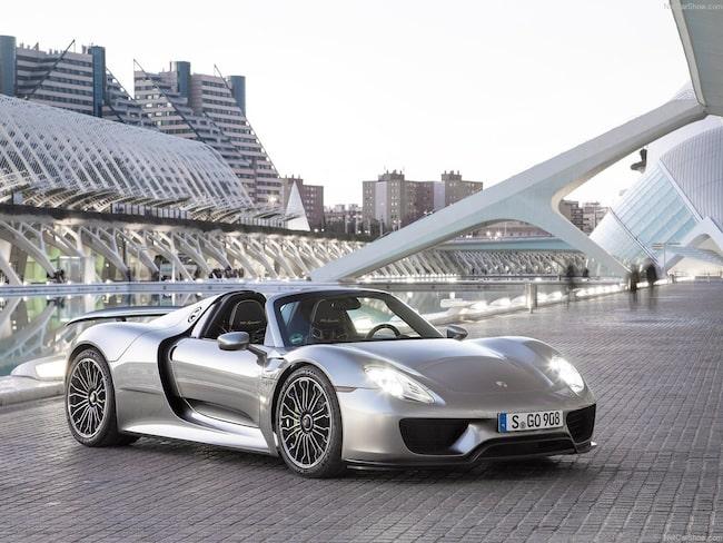 En Porsche 918 Spyder är till salu för över tolv miljoner kronor.