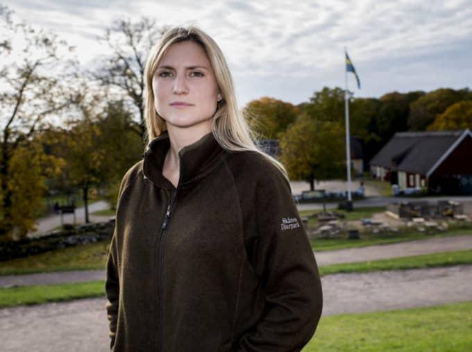 """Anna Blinkowski är zoologisk chef i Skånes djurpark. """"Jag är lite starstruck av Fåret Shaun"""", skrattar hon. Foto: Tomas Leprince"""