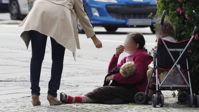 Möjligheten att tjäna stora summor pengar på människors välvilja leder till ett stort mänskligt lidande, skriver Ann Heberlein. Foto: JOACHIM WALL