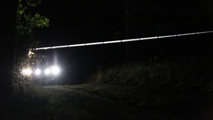 Kvinnan hittades på en gård öster om Enköping av en anhörig. Foto: Janne Åkesson / SWEPIX