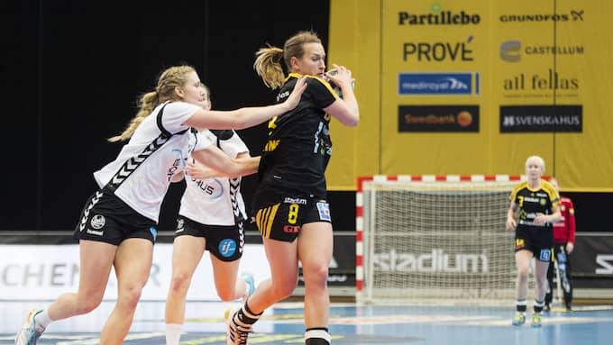 Johanna Forsberg till vänster spelar i Sävehof kommande säsong. Foto: LINE SKAUGRUD LANDEVIK