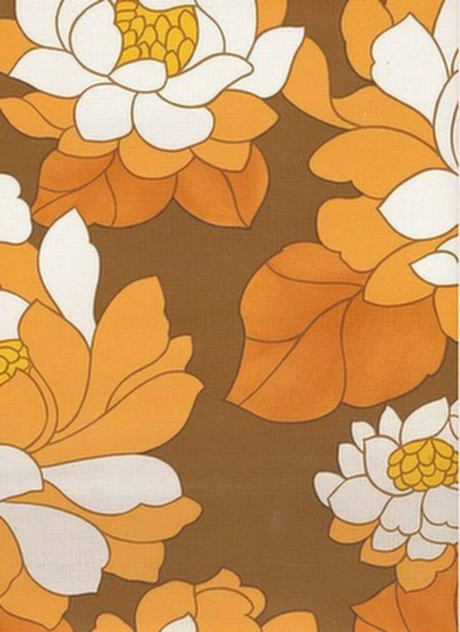 Blommigt och stormönstrat. Tapet från interior1900.com.