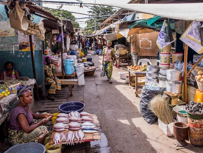 Gatumarknad i Banjul.