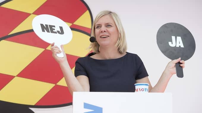Hon lovade. Magdalena Andersson (S) på Expressens Almedalsscen, kluven om en annan fråga än tågsträckan Göteborg-Borås. Foto: SVEN LINDWALL
