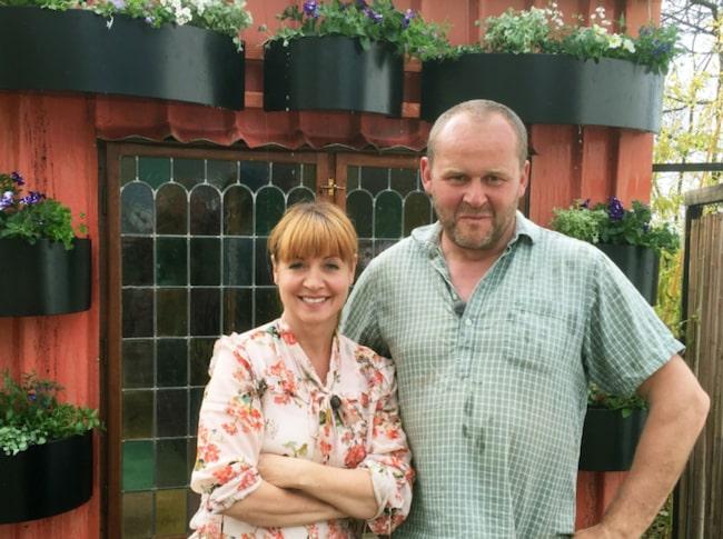 Pernilla Månsson Colt  och trädgårdsmästaren John Taylor ska förvandla en öde till en trädgård i romantikens tecken.