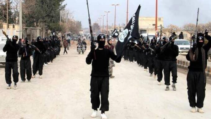 I går kunde Expressen berätta om att det har kommit in uppgifter till Säpo om att det befinner sig irakiska IS-krigare i Sverige och att de planerar ett dåd mot en civil plats i Stockholm. Foto: AP/MILITANT WEBSITE