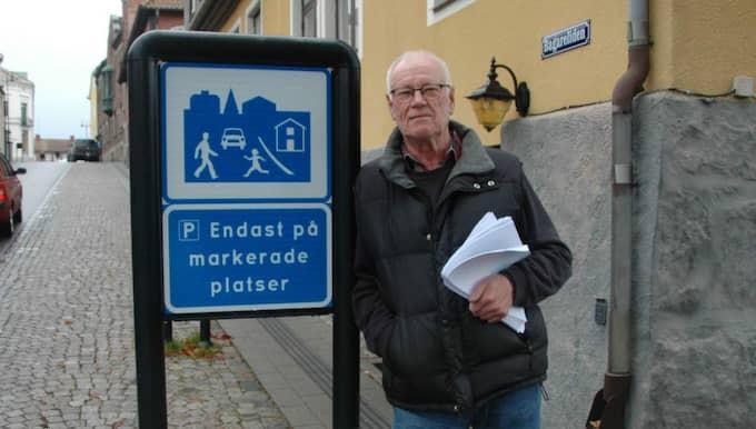 Lennart Sandén fick 2 000 kronor i böter efter att ha klockats för 17 kilometer i timmen på gångfartsområde där sju kilometer är max. Foto: Rickard Gustafsson/ Laholms tidning