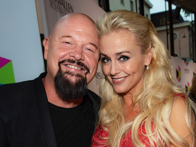 Anders Bagge och Johanna Lind bagge gifte sig i somras.