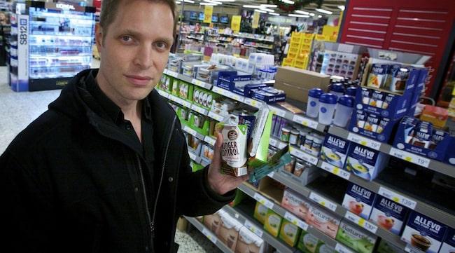 LURAR SYSTEMET. Andreas Eenfeldt är specialist i allmänmedicin och kostdoktor. - Det är ett modernt påfund att allt ska smaka sött. Jag tycker att man ska vara skeptisk mot sötningsmedel i allmänhet eftersom de lurar vårt system och mättnadskänsla, säger han.
