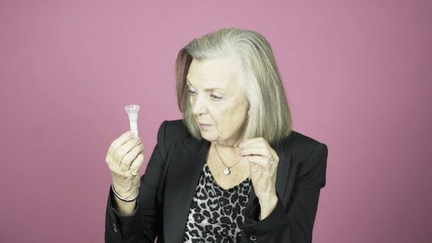 Se pensionärer göra DNA-test och få reda på sitt ursprung