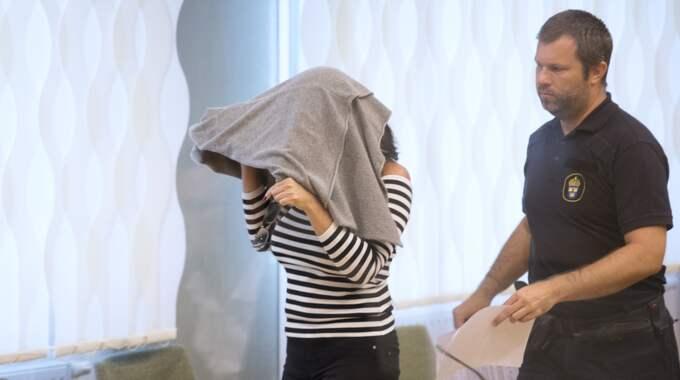 Den 42-åriga Arbogakvinnan begärs nu häktad även för mordet på sin make Aki Paasila sommaren 2015. Foto: Sven Lindwall