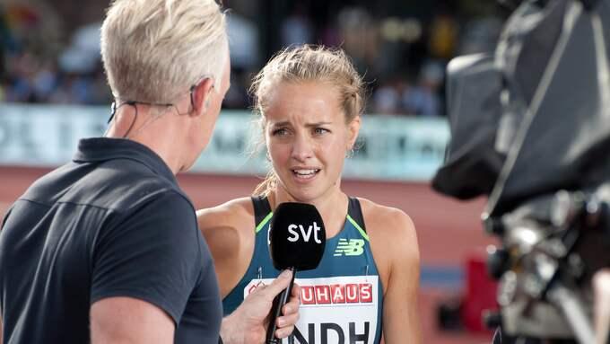 Lovisa Lindh blir interjuvad av André Pops i SVT Foto: HENRIK ISAKSSON/IBL / /IBL