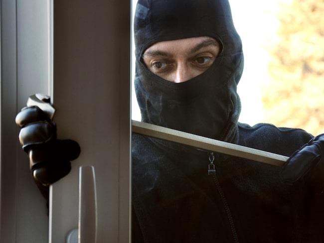 Inbrotten i vanliga lägenheter ökar till skillnad från villainbrotten. Nu skaffar fler och fler hemlarm. Men vilket ska man välja? Stort test!