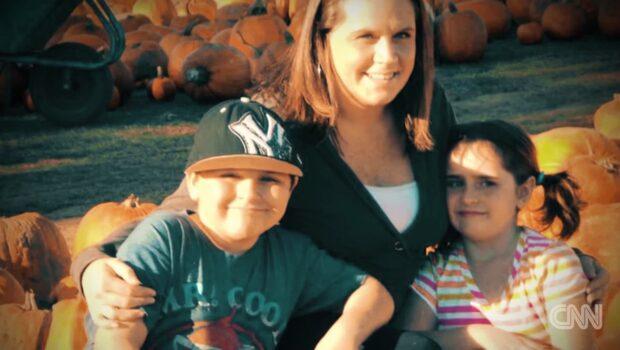Tvåbarnsmamman skickades hem från sjukhuset – dog timmar senare