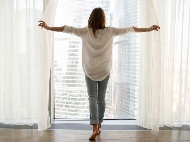 Sugen på att fräscha upp luften hemma? Snart kan du köpa gardiner som tar bort föroreningar hemma.