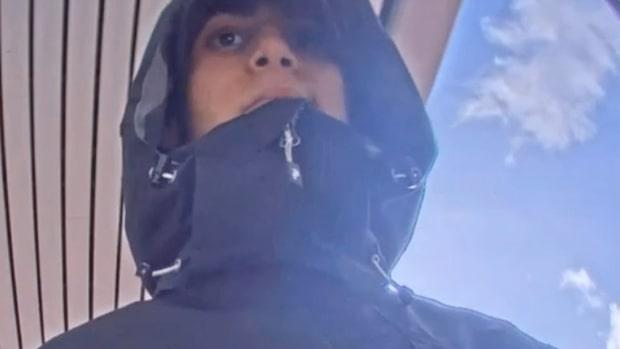 Polisens bild – han är efterlyst för överfallet på Bengt