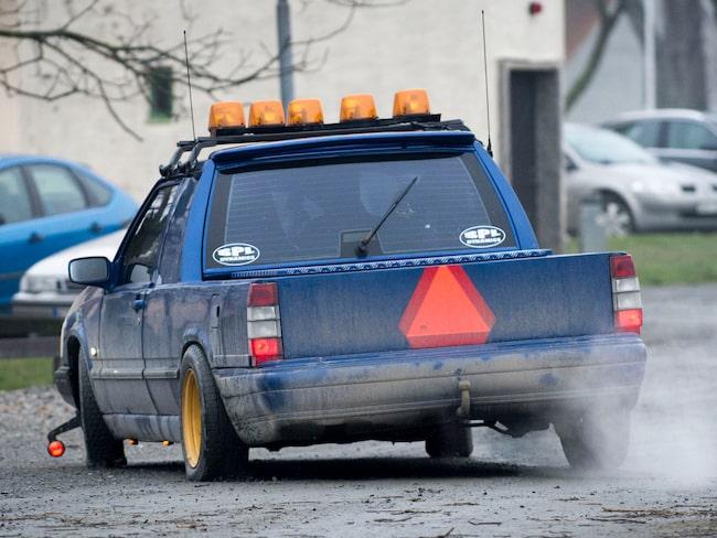 A-traktorn drog, enligt uppgift till polisen, runt ungdomarna i en kundvagn. (Bilden har ingenting med olyckan att göra.)