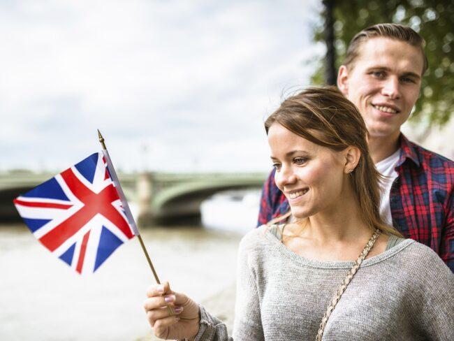 <span>Över 65 procent av Sveriges befolkning pratar flytande engelska.<br></span>