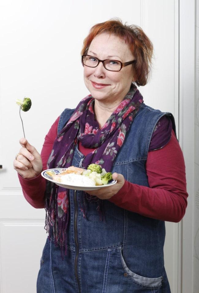 SäNKTE BLODSOCKRET - BLEV KVITT DIABETESEN. 61-åriga Kerstin Erikssons föräldrar och syskon har haft hjärtinfarkt. När Kerstin gick en kostkurs och fick lära sig hur man sänker blodsockret blev hon friskförklarad för sin diabetes och fick mycket bättre sömn och mage.