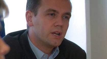 Lerums kommunalråd Henrik Ripa (M) har samma lön som en riksdagsledamot. Ändå tycker han att det är för lågt. Foto: Larseric Linden