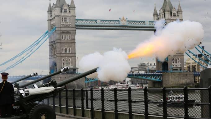 I London firade man drottningen med att skjuta salut. Foto: Dinendra Haria/Rex/Shutterstock / DINENDRA HARIA/REX/SHUTTERSTOCK REX FEATURES