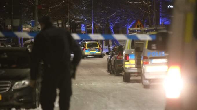 Stort polispådrag i Kista efter skottlossningen. Foto: JANNE ÅKESSON/SWEPIX