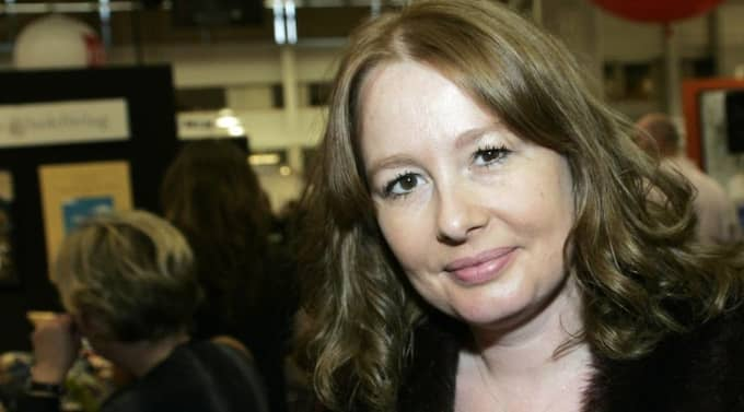 BLEV HOTAD. Efter att Aftonbladets kulturchef, Åsa Linderborg, bestämde sig för att granska högerextrema hatsajter på nätet började hot och trakasserier komma. Via mejl, brev och sms fick hon ta emot både dödshot och grova sexuella meddelanden. Foto: Anders Ylander