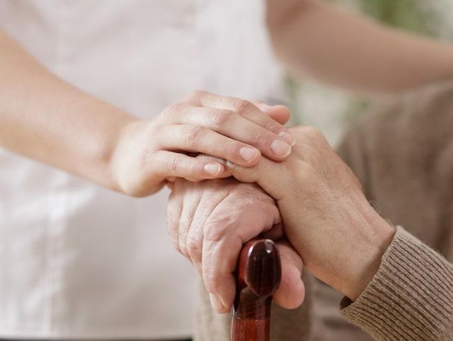Nio av tio drabbas av psykologiska symptom vid minnessjukdomar.