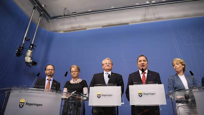 De nya ministrarna presenterades på dagens presskonferens. Foto: ERIK SIMANDER/TT / TT NYHETSBYRÅN
